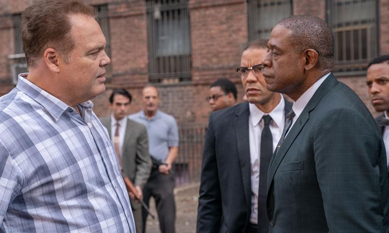 """Im Kampf gegen Drogen und Diskriminierung stehen sich Gangster-Boss Bumby Johnson (Forest Whitaker) und Mafiosi Vincent """"Chin"""" Gigante (Vincent D'Onofrio) gegenüber. Bildquelle: Disney"""